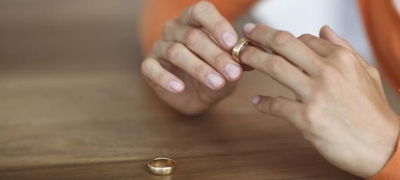 Nulidad matrimonial o divorcio aprobado por la Iglesia